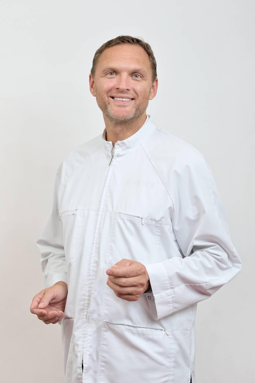 Med. Dr. Darius Rauba - Otorinolaringologas